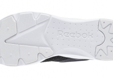 Кроссовки Reebok Furylite slip on woven women classic black/white